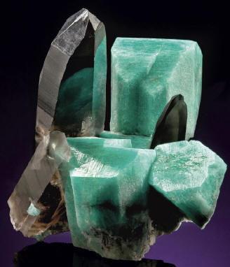 7,5 cm quartz with amazonite. J. Starr specimen. J. Budd photo.