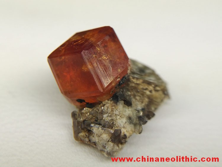 Fanta crystal diamond stone high manganese aluminum garnet and mica mineral crystal specimens gem st,Helvite,Mica