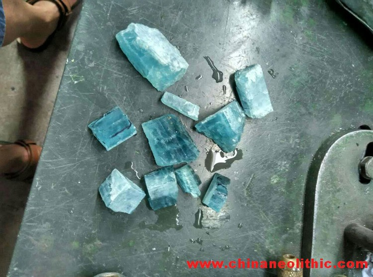 The blue color ultra large particle Aquamarine FACETED OVAL PENDANT Pendant Brooch inlaid,Aquamarine