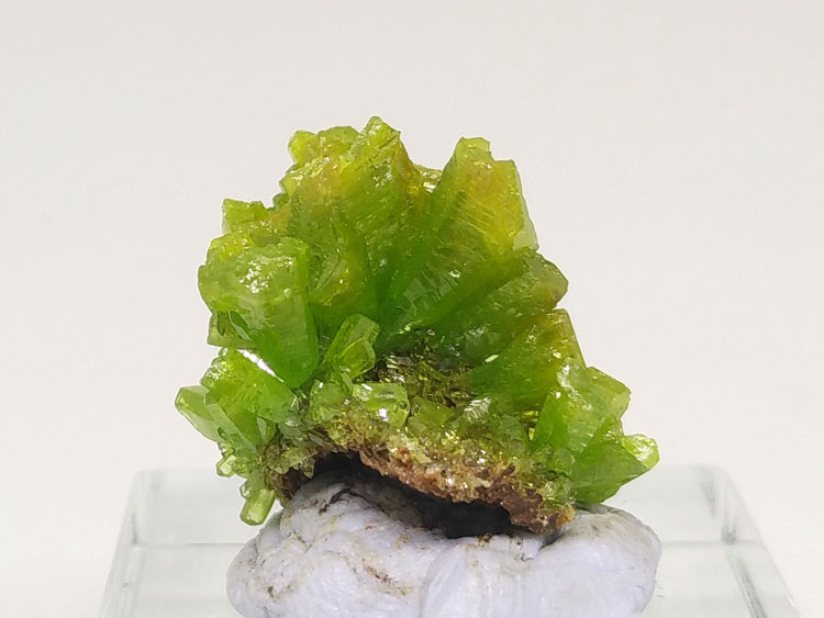Large crystal Pyromorphite mineral crystal gem stone ornamental style stone ore samples,Pyromorphite