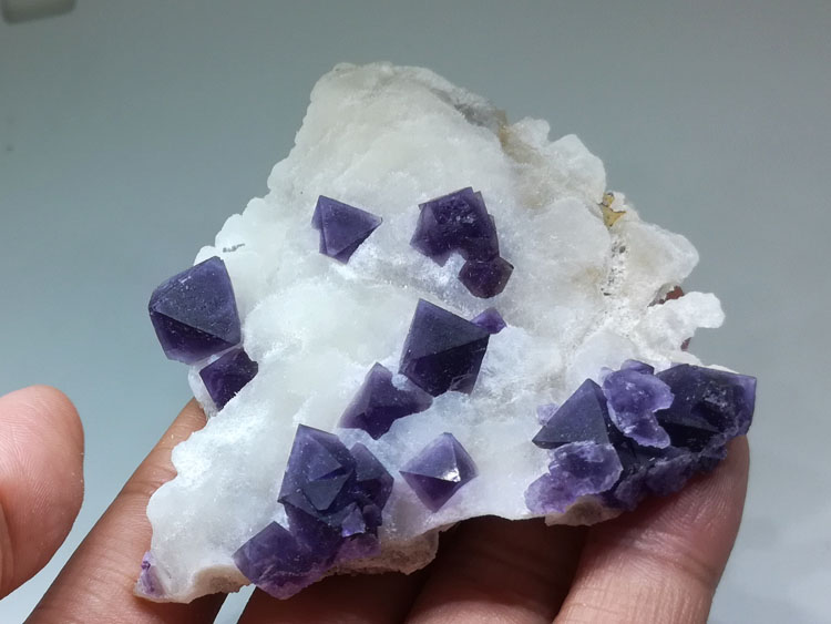 Delicate purple eight face Fluorite mineral crystal gem stone ore samples,Fluorite