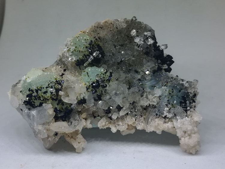 Super shine Babingtonite Epidote and grape stone, crystal mineral crystal gem stone ore samples,Babingtonite,Prehnite,Epidote
