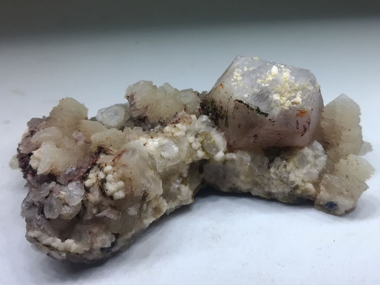 Fujian new Chinese produced Amethyst and calcite mineral flake crystal specimens stone ore,Quartz,Calcite