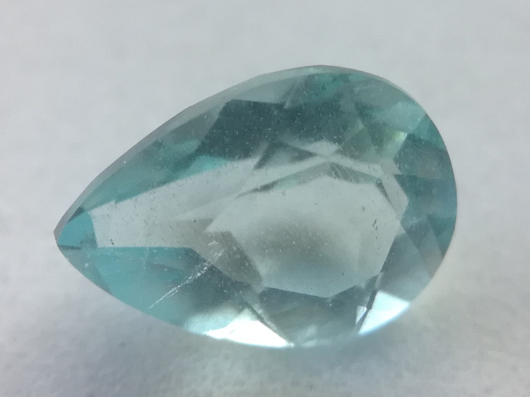 The color is super blue, Aquamarine, water drop, pear shaped facet, faceted cut face and bare stone ,Aquamarine