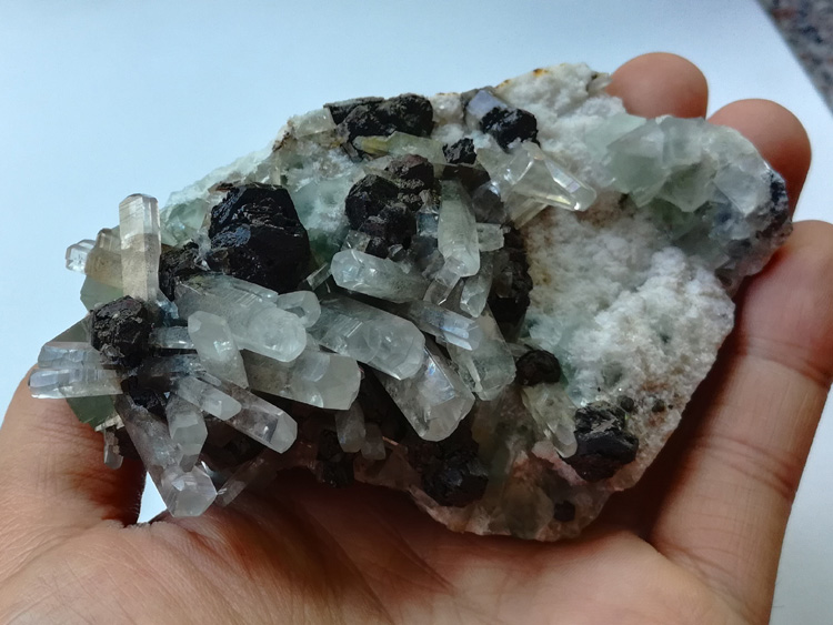New crystal minerals from unknown minerals and calcite and green fluorite in Fujian,Fluorite,Calcite