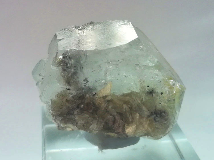 Plate shaped Floating Aquamarine and mica mineral crystal specimens gem stone ore,Aquamarine,Mica