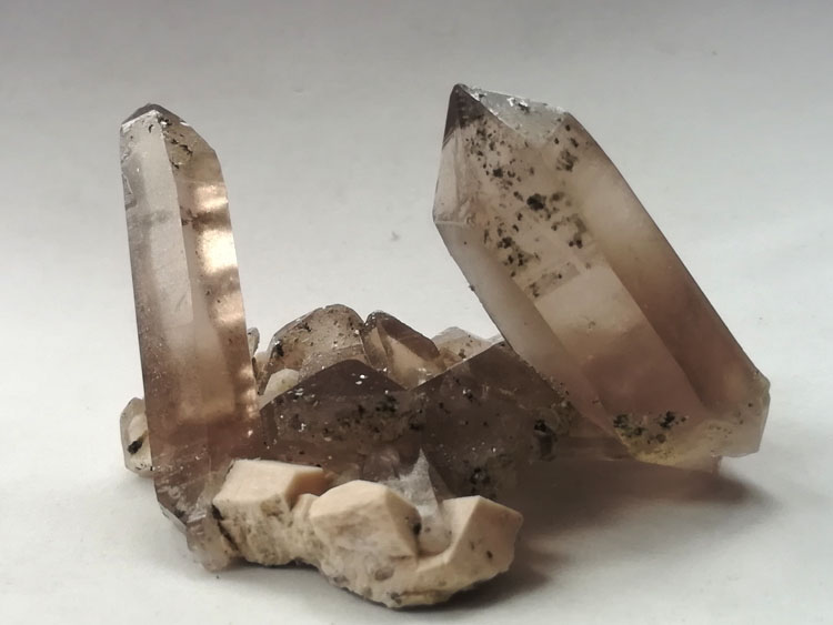 Standard double-ended complete Smoke Quartz and feldspar symbiotic mineral specimens Crystal gemston,Quartz,Feldspar