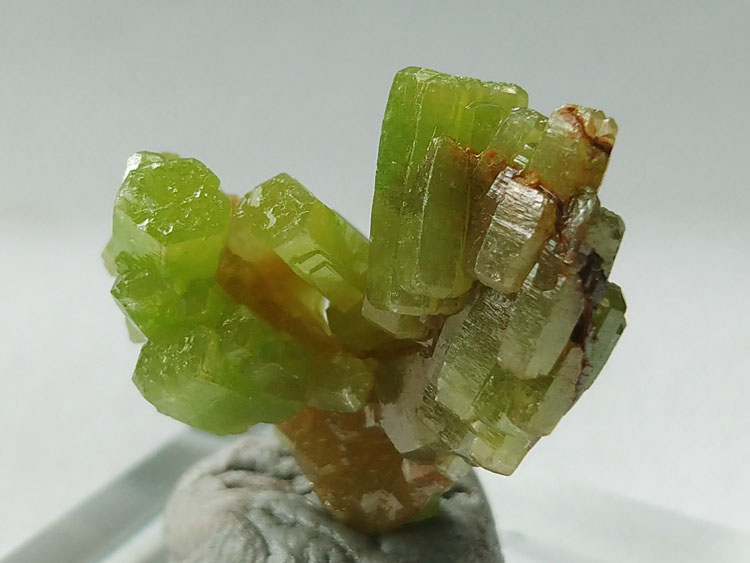 China Pyromorphite Green Lead Mineral Specimens Mineral crystals,Pyromorphite
