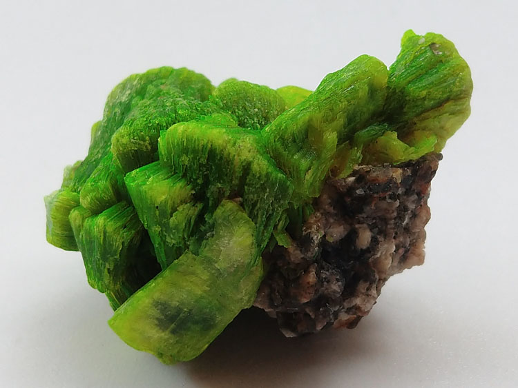 Autunite Large crystal Made in China Hunan Mineral specimens,Autunite